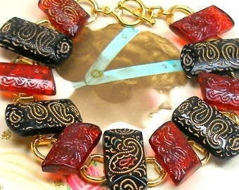 """1800s BUTTON  bracelet, Victorian cranberry & black glass on gold. 7.5"""" bracelet. Antique button jewellery."""