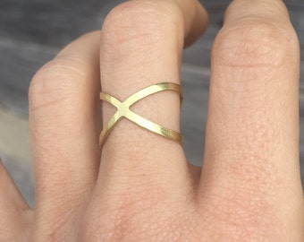 Infinity Ring - Statement Ring - Wedding Bridesmaid Jewelry - Womens Adjustable Midi Small - Hand Hammered Gold Brass Infinity Symbol