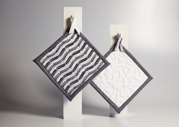 quilted kitchen pot holders - feathers and white - ready to ship