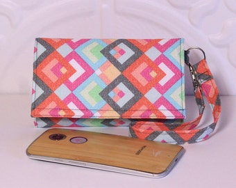 Cell Phone Wristlet Wallet / iPhone Wristlet / Card Wallet / Galaxy, Moto X, Nexus / NEW STYLE TECH / Pink Multi Squares Gray