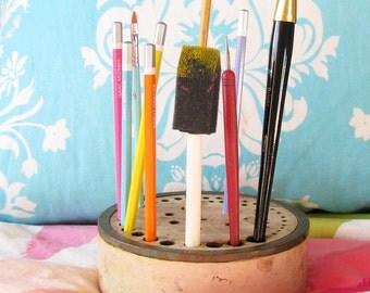 Amazing Vintage Studio Caddy...Perfect Pencil & Paintbrush Storage