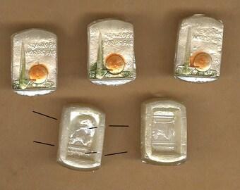 vintage bead 1939 world's fair pearlized pressed glass bead very rare Perisphere and Trylon, ONE bead ART GLASS bead