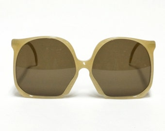 Pierre Toto vintage sunglasses, oversized eyeglasses, designer eyewear in new old stock condition with new lenses.