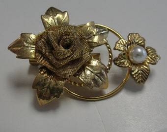 Vintage Goldtone Flower Simulated Pearl Flower Brooch