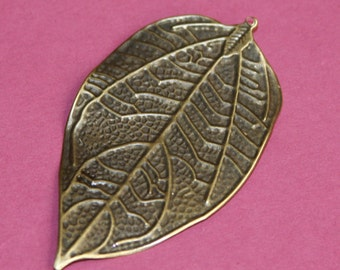 4 pcs of antiqued Brass finished leaf pendant drops 75x43mm