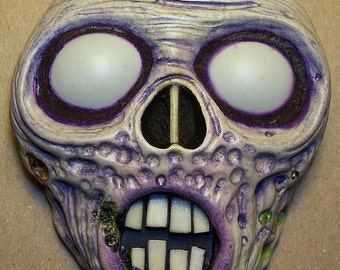 ghoul creepy halloween magnet