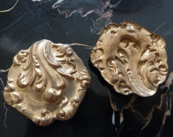 """Vintage Brass Stampings, 1960s Art Nouveau Style Round Dapped Medallion Jewelry Findings, 27mm (just over 1""""), 2 pcs. (C26)"""