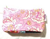sofs offers a laminated pouch. This one in soft pink.