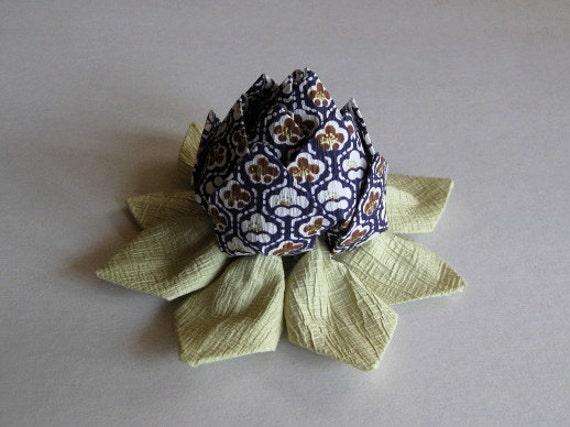 origami fleur de lotus papier cr pon chirimen washi en. Black Bedroom Furniture Sets. Home Design Ideas