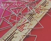 brass triangle link 24mm - 25 pieces - destash