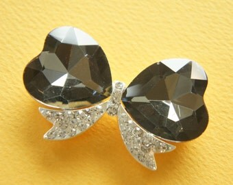 Clearance SALE 1 pcs Huge Gorgeous Bow Motif with Black Glass Heart Rhinestone Used (37mm48mm) AZ096 (((LAST)))