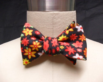 Black Trippy Floral Bow Tie