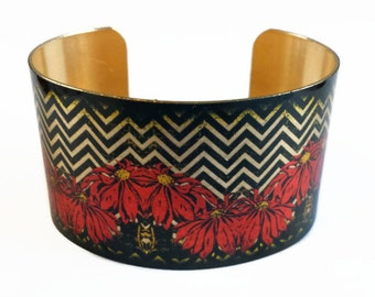 Poinsettia Chevron Christmas holiday brass cuff bracelet Free Shipping to USA aluminum Gifts for her
