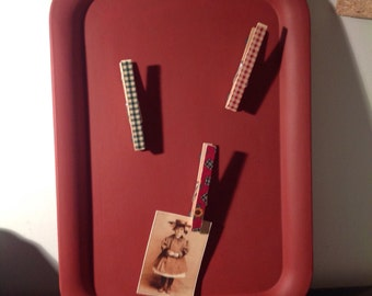 Barn red magnet tray