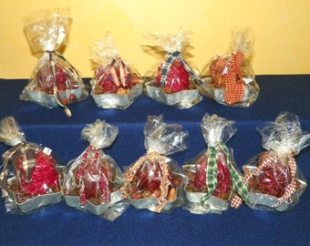 Votive in a Vintage Star Jello Mold, Set of 12 Primitive Votives with Cinnamon Rose Hips, Pinecones, Cinnamon Sticks, Wrapped