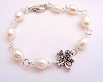 Clover Bracelet, Lucky Clover Bracelet,Pearl Bracelet, Fresh Water Pearl Bracelet, Wedding Special Gift, Bridesmaid Gift
