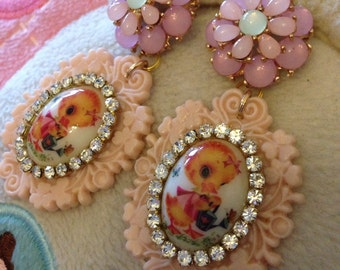 Vintage Cartoon Duck Cameo Flower Earrings