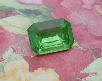 Vintage 18x13mm Peridot Green Gold Foiled TTC Pointed Back Octagon Glass Jewels (2 pieces)