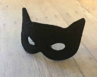 Small elf bat mask