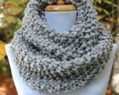Gray Marble Knit Infinity Scarf, Chunky Scarf, Hand Knit Infinity Scarf, Women's Scarves, Knitted Scarf, Circle Scarf, Winter Scarf, Wool