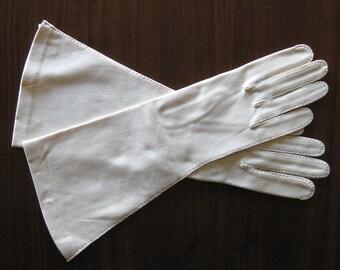 1950s VINTAGE Sally Vielor Evening Gloves - Shadow White Gloves - Wedding