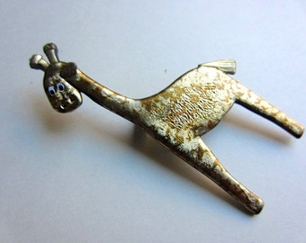 Spotted Giraffe Pin Brooch