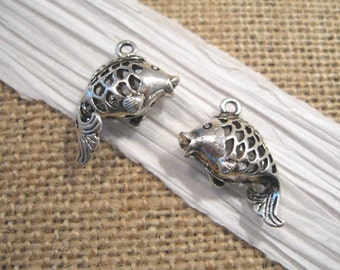 Pewter Antique Silver Fish Charm - 1 ct