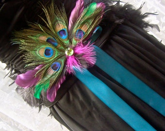 Elegant Peacock and Ostrich Feather Pin-On Decoration