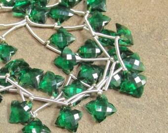 Quatrefoil Emerald Green Quartz Briolette Beads, Clover Matched Pairs,  1/2 Strand 15mm