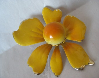Flower Yellow Gold Brooch Pin Vintage
