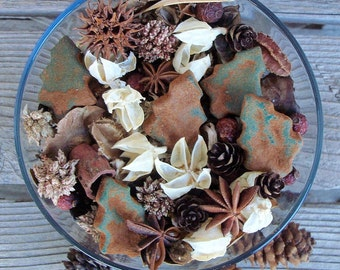 Country Christmas Potpourri, Pine Tree,Special Blend,Scented, Rustic,Saltdough,Grubbied, Winter Decor,Christmas, Refresher Oil Included