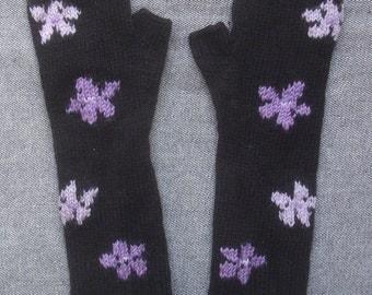 Starflower black cashmere fingerless mitts/gloves.