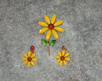 Vintage--Sunflower--Enameled Pin-Brooch--Plus Earrings--Set