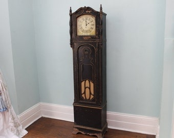 Vintage Grandfather Clock Radio Shabby Chic Black Distressed Crosley AWESOME Chippy