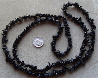 Full  Strand of Black Onyx Small to Medium Chips (68)