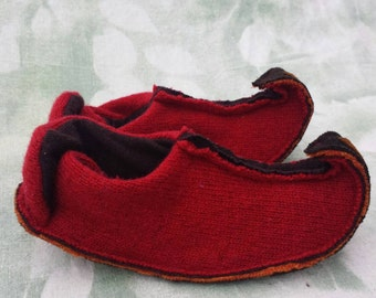 S Elf slippers Womens small (5 to 6)  wool with leather