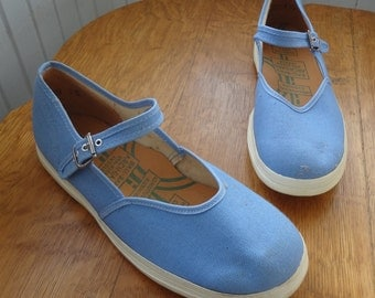 Vintage 1960s Light Blue Mary Jane Sneakers, girl's 2.5, adult 5
