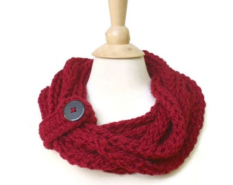 Red knit necklace, knit red rope necklace, knit statement necklace, red rope scarf red knit chain scarf red chain necklace red neckwarmer