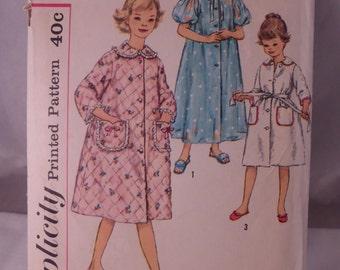 Sweet Vintage Child Girl Robe Pattern Simplicity 3244 Size 8