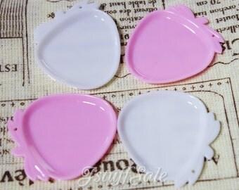 20 pcs - Miniature Strawberry shaped plates - Pink & White mix