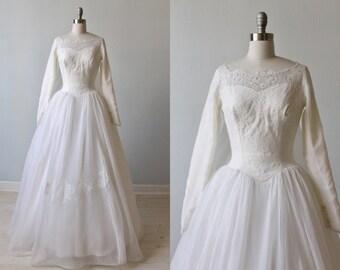 1950s Wedding Dress / Long Sleeves / Ballgown / Lace and Organza Wedding Dress / Detachable Train / Elizabeth