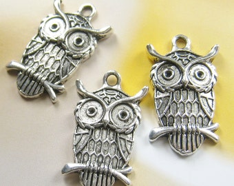 8 pcs - 28mm - Antique silver owl charm (FIND-119)