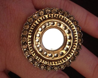 Magical mirror ring