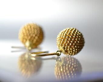 gold earrings globes