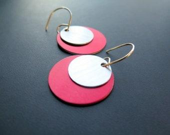 red earrings in sterling silver. dangle earings. aluminum jewelry.
