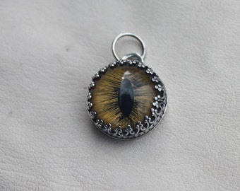 Yellow Eyed Cat Pendent