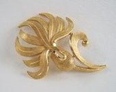 Vintage Crown Trifari Gold Botanical Brooch
