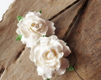 Ivory rose hairpins.  Winter white hairpins.  Ivory bobby pins.  Brass filigree hairpins.  Winter white rose.  Ivory flower hairpins.