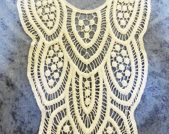 patch applique Embroidered natural color cotton back or front for dress or shirt