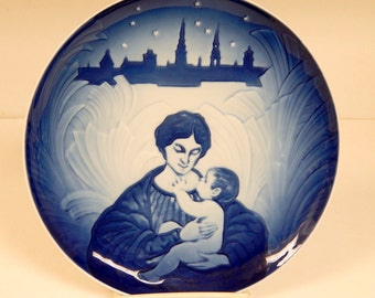 """1987 """"Christmas Remembered """" Plate to Celebrate Union of Both Royal Copenhagen and B and G / Sven Vestergaard / Limited Edition"""